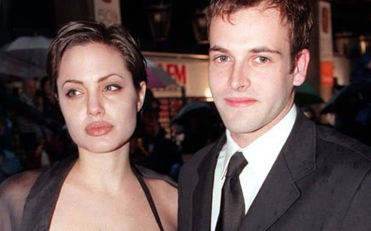 Jonny Lee Miller Wives