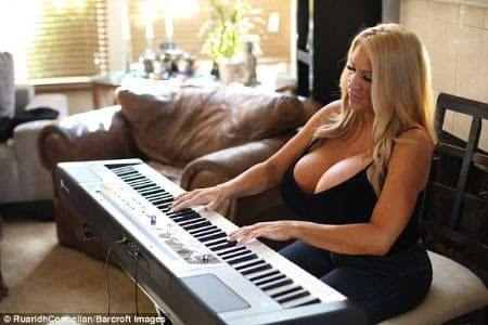 Allegra Cole piano