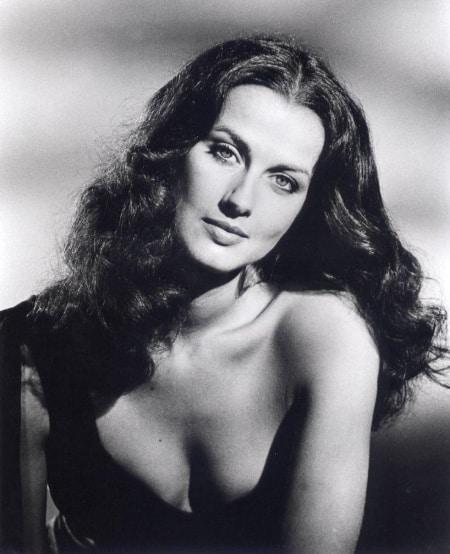 Veronica Hamel age