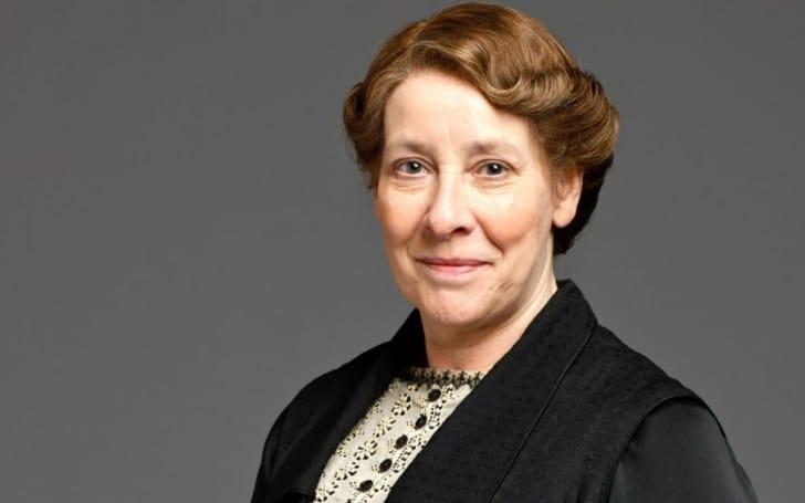 Phyllis Logan net worth