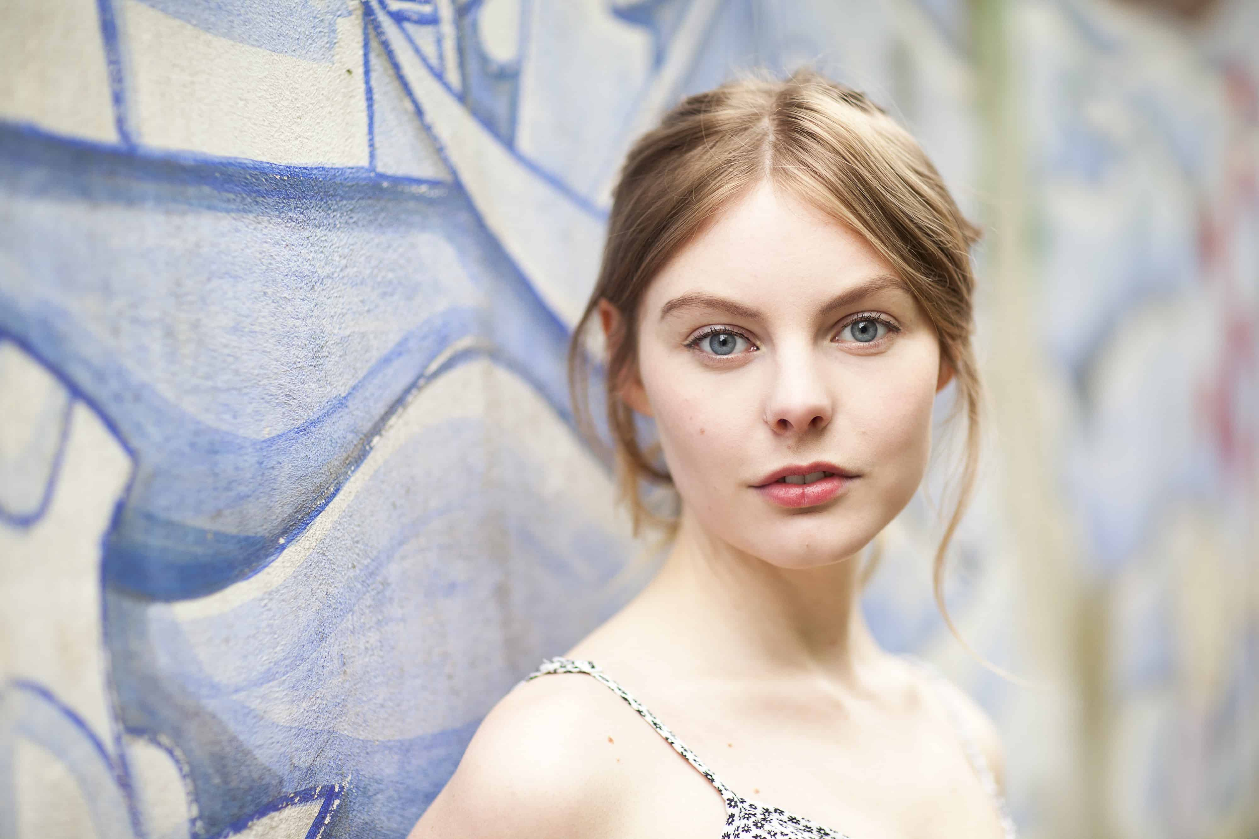 Nell Hudson age