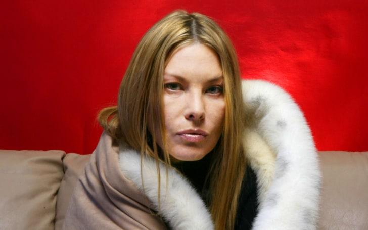 Deborah Kara Unger net worth