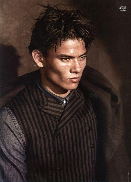 Simonas Pham model, Versace